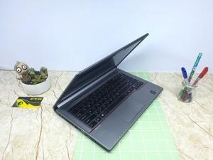 Laptop Fujitsu Lifebook E744 -thương hiệu đứng đầu tại Nhật